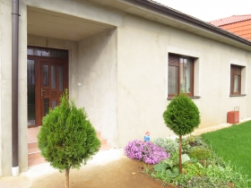 Zabudované rolety a okná s izolačným trojsklom